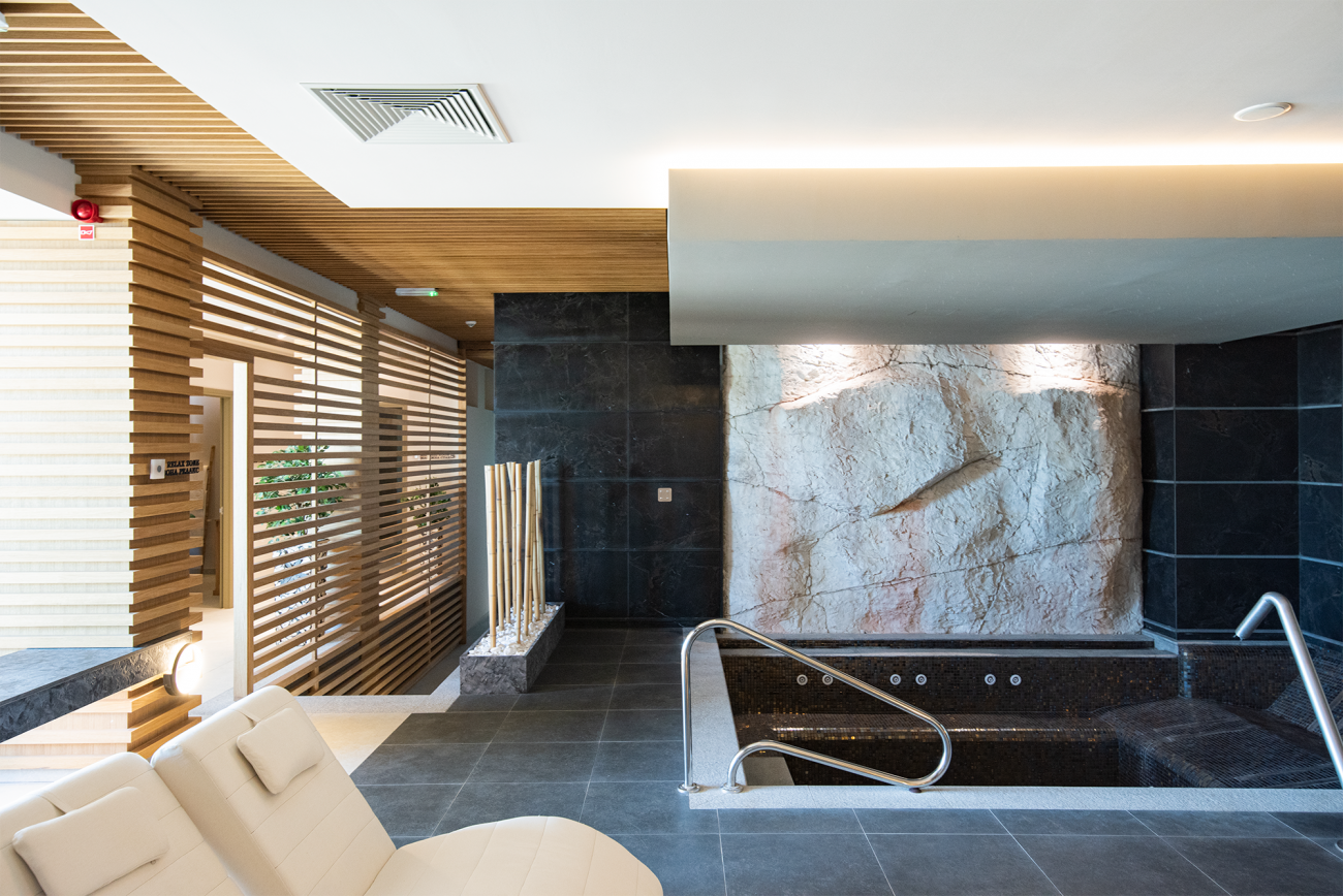 THE PALACE HOTEL SPA COMPLEX